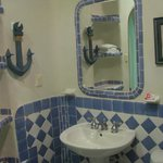 nautical theme in 2nd bathroom