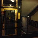 Aufzug im Stil des alten Grand Hotels