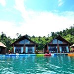 500 Rai Floating Raft House