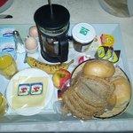Lecker Frühstück auf dem Zimmer