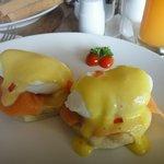 Set Breakfast, Salmon egg benedict