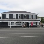 Kaikoura Hotel from seaside walk across street