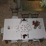 Dining table, you can order the dinner