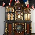 Monumental Engle Clock