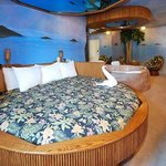 Hawaiian themed honeymoon suite