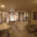 Roman themed honeymoon suite