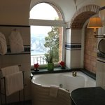 Tiberius Suite Bathroom