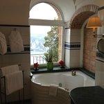 Tiberius Suite Bathroom