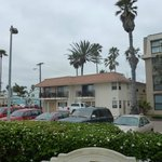 i 5 parcheggi riservati al motel