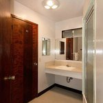 2-Room suite bathroom