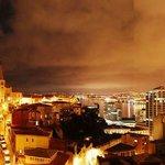 Terraza vista nocturna a Valparaiso