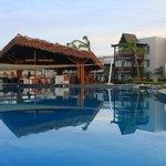 Pool/ bar & resort block