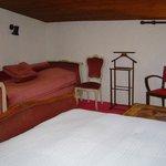 """Chambre """"la petite suite pergolas"""" un grand lit+un petit lit 20m2 120euros/nuitée"""