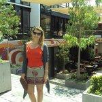 Pátio Bella Vista - Galeria com muitos restaurantes e lojas