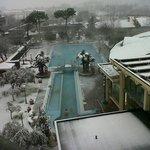 il caldo dell'acqua termale, il freddo della neve