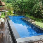 Infinity pool in 1 bedroom villa