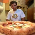 pizza Borbonica, bordo ripieno di ricotta!