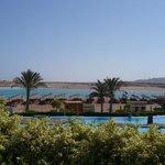 бассейн и пляж
