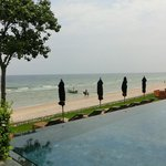 Strand vorm Pool