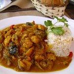 El pollo al curry que comí con timbal de arroz integral
