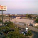 Vista della zona del centro commerciale dalla finestra della camera