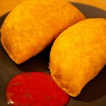 Empanadas Latinas: Deep-fried meat pasty served with chilli sauce