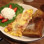 Ham and asiago cheese omelet w cottage cheese and multigrain toast