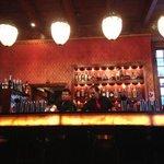 Die Bar im Eingangsbereich