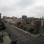 Blick aus dem Hotelzimmer - amerikanische Kleinstadt