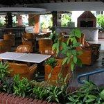 Restaurante-Barbacoa en la zona del jardín