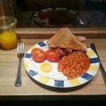 The DB breakfast with fresh orange juice