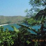 Vista da praia, na área de piscina