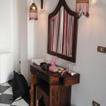 Make-up desk and mirror at streetrooms