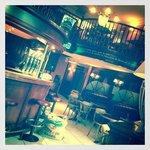 Bar et mezzanine