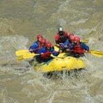 Rafting, una de las muchas actividades que ofrece el hotel.