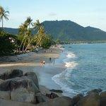 Vue de la plage depuis l'hôtel