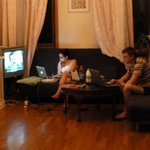 Sala de estar con señal de wifi