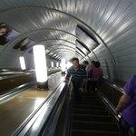 cerca esta el metro