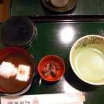 お汁粉と抹茶のセット