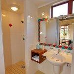 Beachhut Ensuite Bathroom