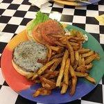 deluxe cheeseburger platter