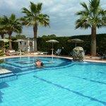 La piscine de l'hôtel Olimpico