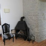 1 bedroom apartment with fireplace