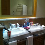 Double sink in room
