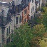 Petite rue sympa à côté de l hotel