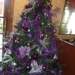 Weihnachtsbaum im Bistro