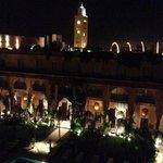 le soir, vu imprenable sur la Koutoubia depuis les terrasses du Jardin de Bala!