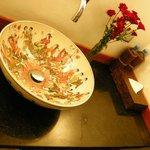 Bathroom, Mango room