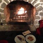 dégustation des desserts avec le crépitement du feu.. ;)