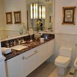 Sta. Margarita Suite Bathroom